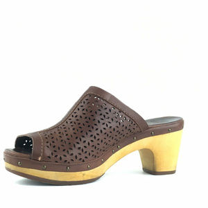 UGG Perforated Leather Peep Toe Clogs Size 9